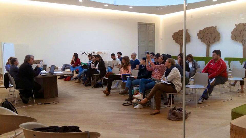 Una delle prime lezioni del Workshop di Social Media Storytelling tenutosi presso il Rimini Tourism Innovation Square